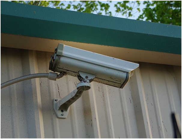 Outdoor security cameras for those of us who are not movie stars